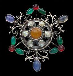 Sibyl Dunlop. Brooch. Silver, amber, chalcedony, cornelian and pearl, c. 1925.