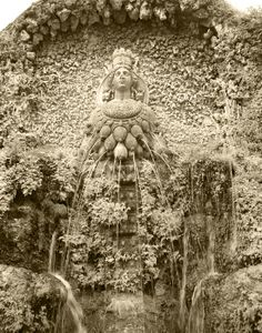 Fontana di Diana Efesina at Villa d'Este, Tivoli, Italy. Original photo by Yair Haklai.