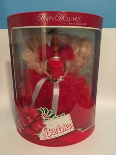 Holiday Barbie - Not really childhood memories because I collected all 1988 to 2011 after Haley was born. Have all still in boxes! Barbie Box, Barbie Dolls For Sale, Barbie And Ken, Mattel Dolls, Christmas Barbie, Barbie Celebrity, Happy Holidays Barbie, Disney Dolls, Toys