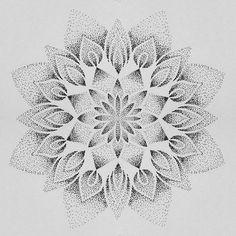 Mandala dotwork tatouage Gradient dots with a septagram in the center Mandala Tattoo Design, Dotwork Tattoo Mandala, Geometric Mandala Tattoo, Tattoo Designs, Mandala Sketch, Tattoo Ideas, Dot Tattoos, Neue Tattoos, Dot Work Tattoo