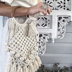 seeing my Sunday bag in the reals of life...AMAZE!! custom MBMJ Sunday bag in raw luxe cotton for the talented Stella from @wildewillow • • #madebymissjade #madewithlove #wildewillow #creativelifehappylife #macramebag #macramebags #macrame #macrameart #macramelove #macramemovement #makersgonnamake #talentedaustraliandesigner #beoriginal #modernmacrame #marymakerstudiocotton