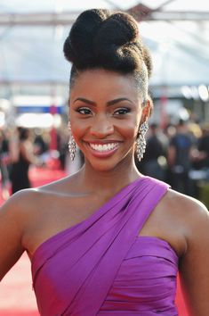 Actress Teyonah Parris Rocks a Fierce Pompadour Updo on the SAG Red Carpet! | Black Girl with Long Hair