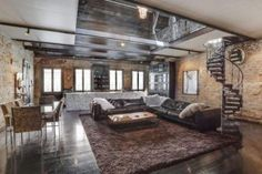 the-inside-of-this-200-year-old-house-will-shock-you-12-photos-5_800x533