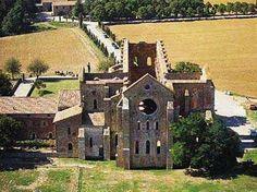 Il complesso dell'Abbazia di San Galgano, Province of Siena, Tuscany region Italy