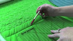 APQS Tutorial: Clover Border or Sashing - Breaking down your border or sashing with registration lines will help you keep everything lined up and evenly spaced. In this video Angela Huffman, APQS Dealer/Educator, shows you how to create the lines and shares a simple, beginning custom design for a border.