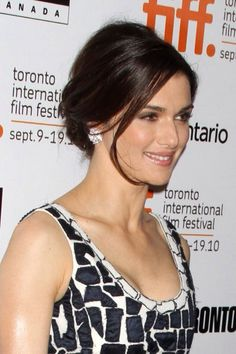 I love Rachael Weisz's look here. I also happen to think she is one of the most beautiful women on the planet.