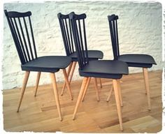 Chaises Vintage Baumann Menuet Pieds Compas Revisitées by OOMPA My Furniture, Upcycled Furniture, Kitchen Furniture, Furniture Makeover, Painted Furniture, Table And Chairs, Dining Chairs, Chaise Restaurant, Chaise Chair