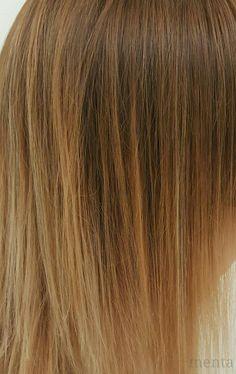 MENTA 💋💋BALAYAGE !!!! Degradacion de la coloración que va de la raíz a las puntas sin que se vea muy marcado con relación a la base natural del pelo. #balayage #babyligths #zaragoza #zaragozastyle #zaragozahair #zaradozaglam #glamteam @menta_zaragoza