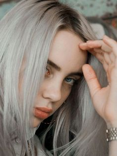 Listen to every Billie Eilish track @ Iomoio Billie Eilish, Grunge Hair, Beautiful People, Amazing People, Beauty, Singers, Icons, Artists, Queens