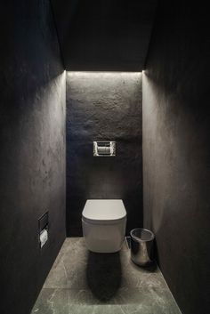 Image 29 of 38 from gallery of Sursock Apartment / platau. Photograph by Wissam Chaaya Image 29 of 38 from gallery of Sursock Apartment / platau. Photograph by Wissam Chaaya Small Toilet Room, Guest Toilet, Downstairs Toilet, Small Bathroom, Bathroom Ideas, Bad Inspiration, Bathroom Inspiration, Modern Bathroom Design, Bathroom Interior Design