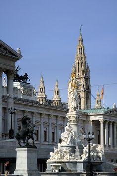 Österreiches (Austrian) Parlament & Wiener Rathaus (Vienna Townhall), Wien (#Vienna), Austria.