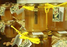 Miele al naturale | melillo.biz  Allevamento di colonie di ape mellifera italiana. Varietà in produzione: eucalipto, ciliegio, agrumi, millefiori.