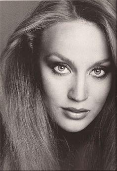 devodotcom: jerry hall francesco scavullo on beauty 1976 Francesco Scavullo, Top Fashion Magazines, Jerry Hall, 70s Glam, Asian Makeup, Timeless Beauty, Iconic Beauty, Classic Beauty, Famous Faces