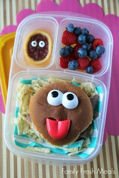 Fun lunchbox ideas from Family Fresh Meals (Cheese Sandwich Toddler) Easy Lunch Boxes, Lunch Ideas, School Lunch Box, School Lunches, Toddler Lunches, Family Fresh Meals, Lunch Snacks, Kid Friendly Meals, Love Food