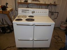 Hotpoint 40 inch Electric Stove Range Vintage