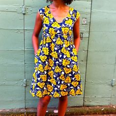 A Washi Dress in African Wax print. Great summer dress!Such an easy make and luckily, no adjustment needed.One of my favourite patterns so far.