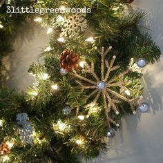 A Snowflake Winter Mantel @ 3littlegreenwoods