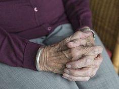 Egy egyszerű gyakorlat, ami segít a demencia megelőzésében – Nagybetűs Élet Dementia Care, Alzheimer's And Dementia, Nurse Staffing, Aging In Place, Life Care, Home Health Care, Health Tips, Old Age, Elderly Care