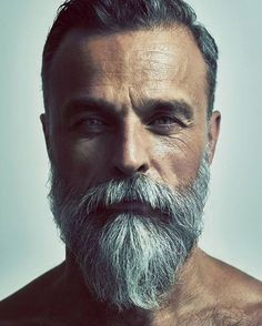 It's feasible to look stylish even while you're expanding out a beard. Beard style is just one of the royal and also traditional styles among all. Its fad is still going solid. Various face form needs different beard styles. Long Beard Styles, Hair And Beard Styles, Long Hair Styles, Best Beard Styles, Beard Styles For Men Over 50, Grey Beards, Long Beards, Pelo Hipster, Bart Styles
