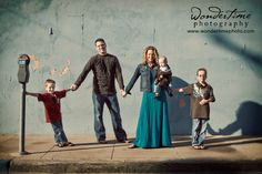 Urban family photo session taken in downtown Tucson, Arizona. www.wondertimephoto.com