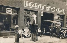 The Granite City Garage, operated by E. Grantham, was located in Granite City, Ill., at 1909 C Street. Old Gas Pumps, Vintage Gas Pumps, Old Garage, Garage Art, Pictures Of Gases, American Gas, Vintage Tools, Vintage Auto, Vintage Men