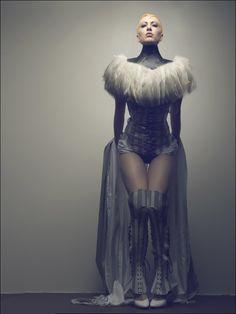 Dark Fashion, High Fashion, Fashion Art, Fashion Tips For Women, Womens Fashion, Posture Collar, Dark Beauty Magazine, Vogue, Costume Design