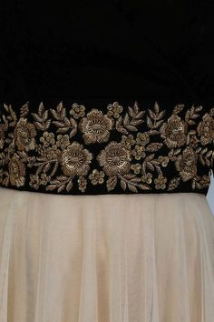 Vineti Bolaki presents Nude and black floral gold zardozi embroidered flared gown available only at Pernia's Pop Up Shop. Zardosi Embroidery, Hand Embroidery Dress, Embroidery Suits Design, Couture Embroidery, Indian Embroidery, Embroidery Fashion, Hand Embroidery Designs, Beaded Embroidery, Embroidery Patterns
