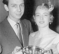 В 1954 году Кирилл, твердо решивший связать себя с парикмахерским искусством, меняет имя на Пол, и начинает свою карьеру с одного из роскошных салонов лондонского Мэйфэйра