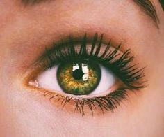 #greeneyes #beautiful #eyeseeyou