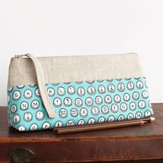 make up bag // cosmetic storage // pencil case // zipper pouch // retro typewriter fabric