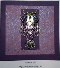 Background stamped with Versamark en heated with WOW Pearl Blue embossingpowder. Owl colored with alcohol ink.