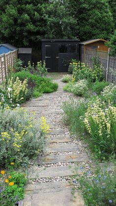 85 stunning cottage garden ideas for inspiration in the front yard - decor . - 85 stunning cottage garden ideas for inspiration in the front yard – decoradeas – - Backyard Garden Design, Modern Backyard, Diy Garden, Cacti Garden, Flowers Garden, Fruit Flowers, Exotic Flowers, Patio Design, Herb Garden