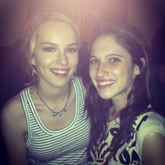 briget and luduvica della serie tv Disney Channel, Bridgit Mendler, Sofia Carson, Descendants, Role Models, Twitter, Actors & Actresses, Famous People, Bff
