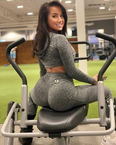 Get the job done it infant Florida Funny, Fitness Models, Best Body Weight Exercises, Yoga Pants Girls, Big Show, Get The Job, Videos Funny, Nice Body, Funny Moments