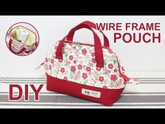 It's a wire frmae pouch bag. It is a bag that is not hard to make even beginners. Bag Quilt, Patchwork Quilt, Patchwork Bags, Quilted Bag, Handmade Handbags, Handmade Bags, Diy Sac, Sweet Bags, Handbag Patterns