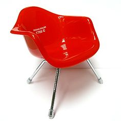 red pullip chair