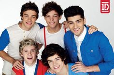 One Direction Red White & Blue Poster iPosters From One Direction Official, One Direction Birthday, One Direction Louis, One Direction Posters, One Direction Pictures, Niall And Harry, Harry 1d, Blue Poster, Band Pictures