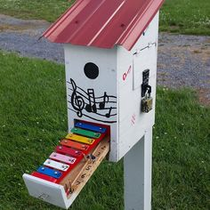 Name That Tune! Geocache GC4VKVR in West Virginia, a gadget cache by WVTim with over 300 favourite points. (pinned from websta to Birdhouse Geocaches - https://www.pinterest.com/islandbuttons/birdhouse-geocaches/) #IBGCp