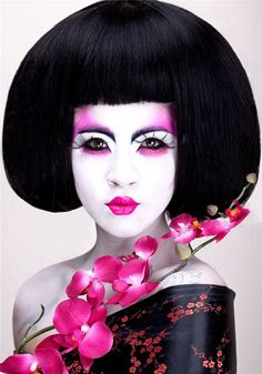 I had to do so many Geisha a few years back that I got kinda jaded...but I loved the hair in this shot!