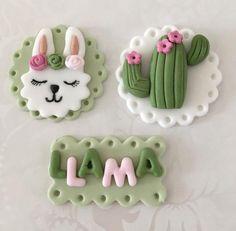 Llama C Cactus Cupcakes, Gold Cupcakes, Cactus Cake, Valentine Cupcakes, Fondant Cupcake Toppers, Cupcake Cakes, Fondant Animals, Fondant Decorations, Birthday Party Themes