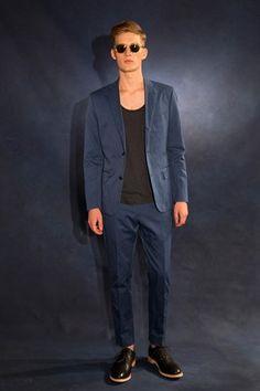 Todd Snyder coleccion primavera verano 2014 New York Fashion Week Vogue Fashion, Suit Fashion, Fashion Show, Mens Fashion, Fashion Design, Blazers, Todd Snyder, Summer Suits, Mens Clothing Styles