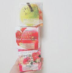 世界中に多くの愛好者がいるMlesnA(ムレスナ)社の紅茶。世界有数の紅茶大国であるスリランカから、最高のフレーバーを提供しています。屈指のティーテイスターであり、同社の社長でもあるアンセルム氏が自信を持って送り出すムレスナティー。日本では日本人好みにブレンドされたものが流通し、多くの人の舌をとりこにしています。
