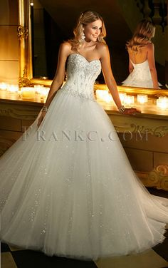 ★ princess wedding dress ★ love the dress and the pose I just wish there was some way to magically make it modest...