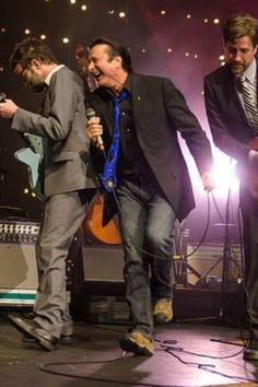 May 31, 2014 Steve Perry with Eels at Lincoln Theatre in Washington, D.C. for a second performance.