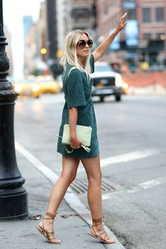 Here's How Top Bloggers Style Flat Sandals