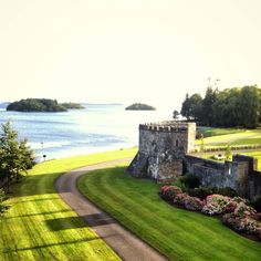 It's a gorgeous evening in Ireland with The Idea Boutique team at Ashford Castle!