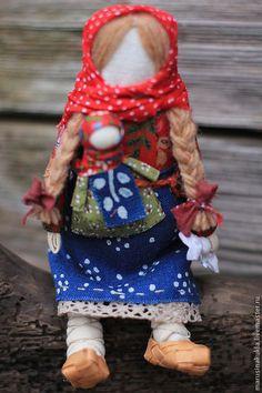 Купить или заказать Кукла 'Мамушка' в интернет-магазине на Ярмарке Мастеров. 'Мамушка'- образ женщины-матери с дочкой.. Кукла представлена для примера, пока без повторов. Кукла самостоятельно не стоит, есть подставка.