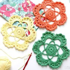I made up some new crochet flower medallions on our road trip and I'm really excited with how these turned out. You can use them lots of different ways - as doilies or on pillows or in the fun project I'm sharing on Thursday! Free pattern is on the blog today! 🙌