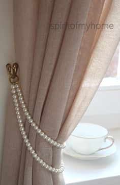 TAMMY' Shabby Chic Vintage Styled Curtain Jewellery Pearl Handmade metal rings Lenght or Doubled Ivory Pearl Tieback Custom - TAMMY schäbige schicke Vintage Stil Gardinen Schmuck - Shabby Chic Bleu, Casas Shabby Chic, Estilo Shabby Chic, Shabby Chic Style, Shabby Chic Colors, Modern Shabby Chic, Modern Chic Decor, Shabby Chic Vanity, Shaby Chic
