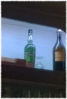 Oh qu'elles sont jolies! Vues dans un bar d'Arras #chartreuse #vep #liqueur #cocktails